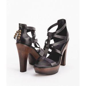 Ugg Black Leather Salima Open Toe Sandals Heels 8